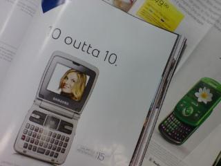 海外女性誌の広告にSAMSUNG 2 機種
