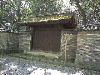 熱田神宮開かずの門